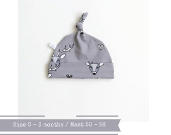 Grey hat with deer. Size 0 - 3 months