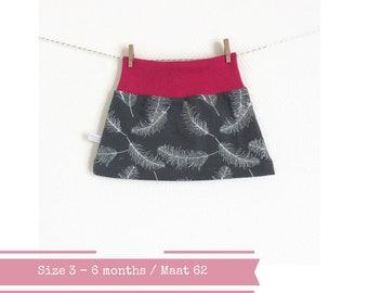 Grey baby skirt with feathers. Size 3 months.