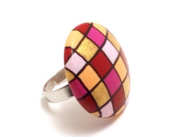 fancy ring adjustable, wooden, handpainted in acrylic, geometric pattern, bright colors