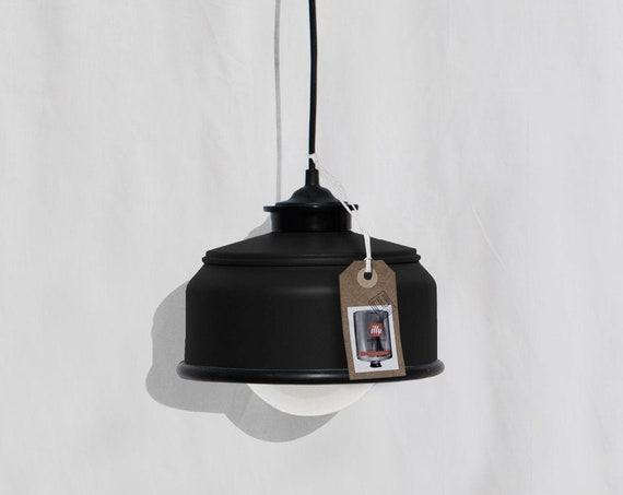 Hanging / pendant / ceiling lamp mat black ... eco friendly & handmade : recycled from  coffee can ! LED light bulb included