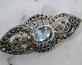 Vintage unmarked silver beautiful large blue topaz colour stone and marcasite bar brooch