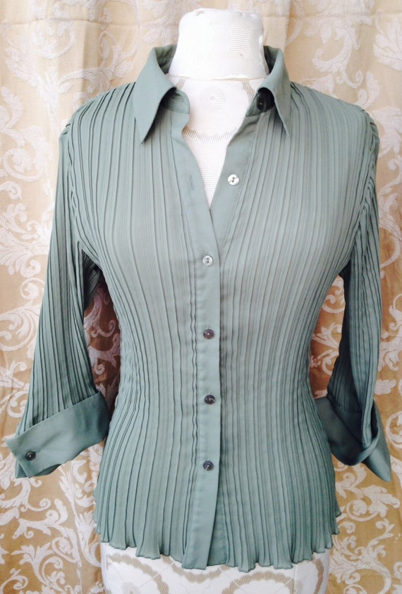 Beautiful Pleated Pistachio Green 3/4 Sleeve  Blou