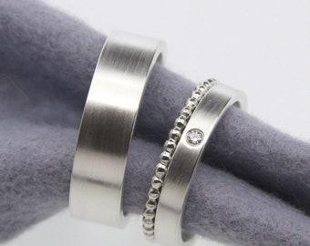 Trauringe in Silber mit oder ohne Brillant und Kügelchenring