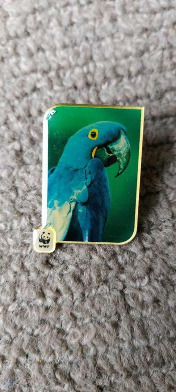 Blue parrot vintage collectible hat pin, blue parr