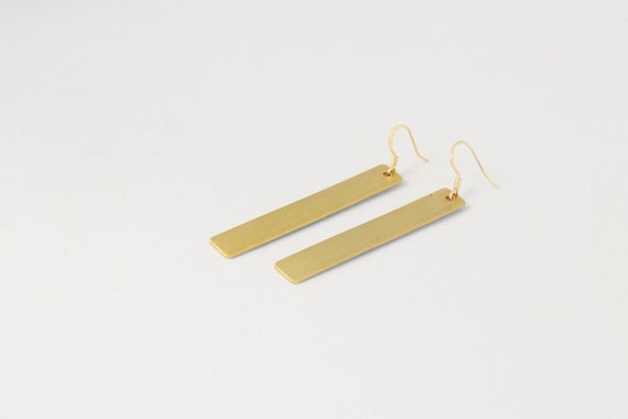 Carter Bar Earring