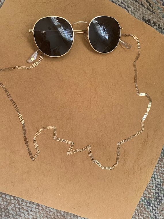 Deco Sunglass Chain