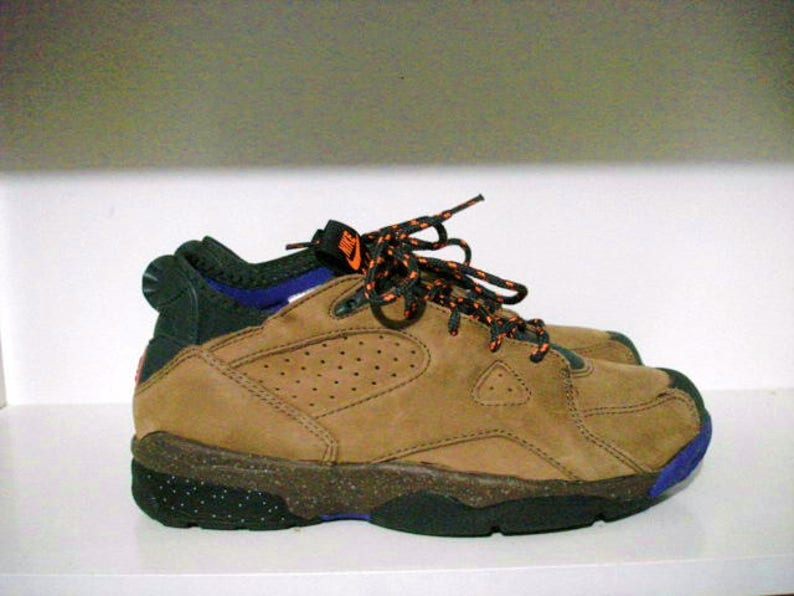 c16553db01b5 Vintage nike air azona acg sz 9.5 trail walk hike bike