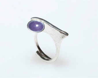Ultra Violet Minimalist Ring, Circle Ring, Silver Ring, Purple Enamel Ring, Bubble Ring, Colorful Jewelry, Geometric Ring, Polka Dot Ring