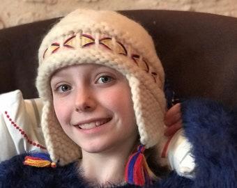 4b207ba7678 LOVIKKA VINTAGE CAP   Wool   Swedish   Finnish   Lapland   Traditionel    Polar hat   Folkloric   Ethnic   Knitted   White red blue yellow