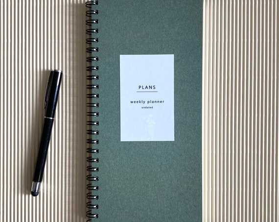 Undated weekly planner - green