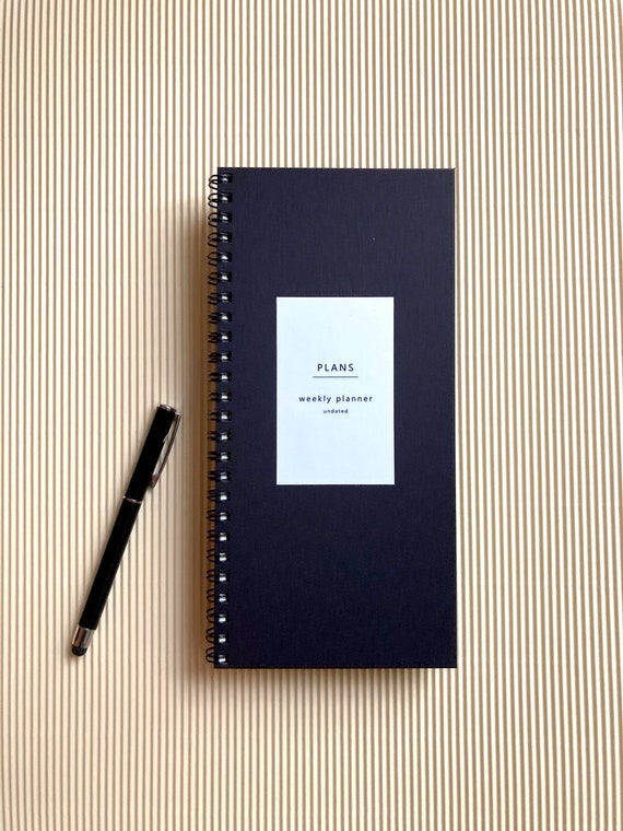 Undated weekly planner - black
