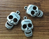 20pcs 15x24mm Antique Silver Skull Charms, Gothic Skull Charms, Sugar Skull Charms