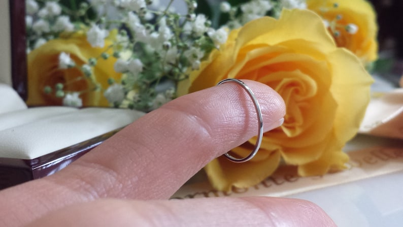 THIN /& STRONG Platinum wedding band spacer ring narrow low profile skinny palladium white gold ring 18kt 14kt about 1mm platinum band