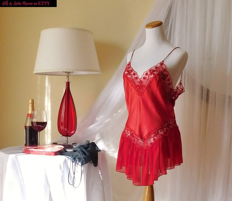 Pretty RED SATIN Lace and Ruffle Chiffon NIGHTIE Nighty Short Nightgown Slip VIctoria/'s Secret Gold Crown 80/'s Holiday Lingerie S