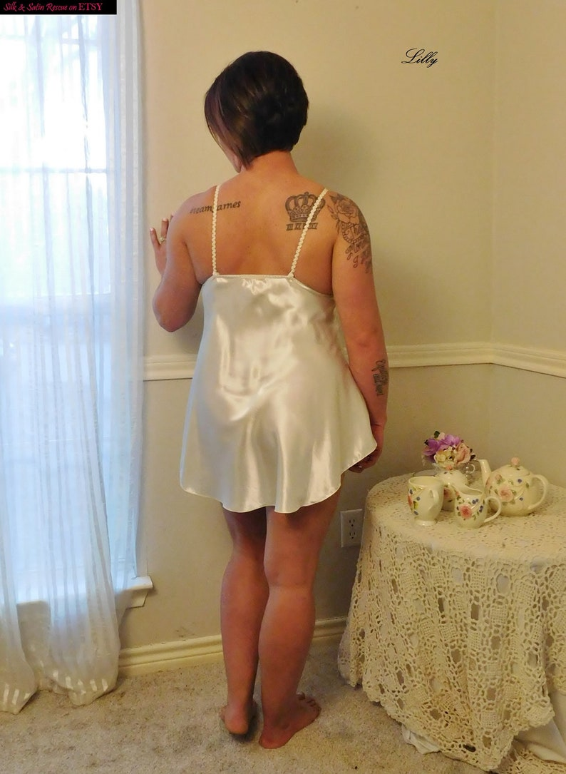 Beautiful Bridal WHITE SATIN BABYDOLL Nightie Nighty Nightgown Lace Intimate Concepts by Terry Russo Lingerie M