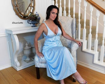 Long Baby BLUE NYLON NIGHTGOWN Negligee Nightdress Gown Slinky Lingerie - S?