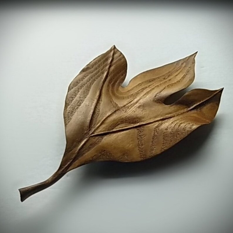 The Stylish Sassafras Leaf 3 Wood Sculpture Sassafras Leaf Sculpted From Sassafras Wood Leaf Art Art Decor Wall Decor Wooden Wall Art