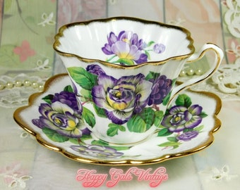 Purple Teacup, Purple Roses Teacup & Saucer by Rosina, Fine Bone China Teacup with Purple Roses, Vintage Purple and White, Best Teacup Gift