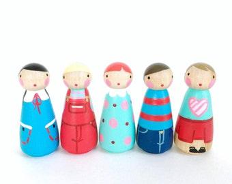"2"" peg dolls play set 5 // red and teal peg dolls with felt sleeping bag // wooden peg dolls - wooden toys"