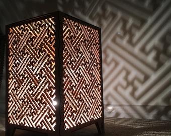Sayagata geometric pattern shadow lamp.