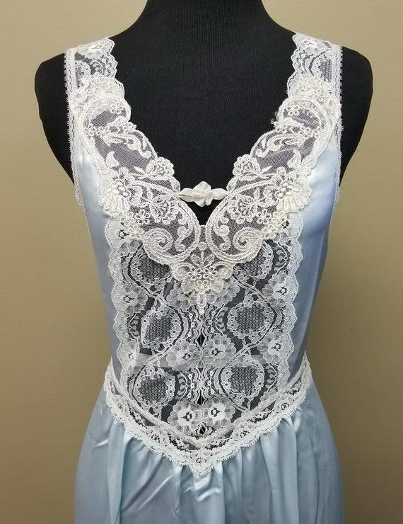 Donna Richards Light Blue Lace Satin Peignoir & Ni