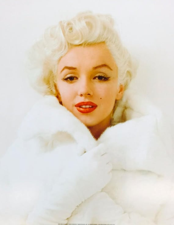 Marilyn Monroe in White Fur Coat Poster Print | Etsy