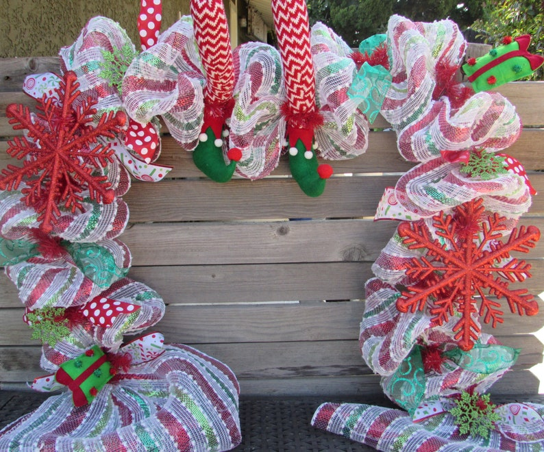 7 Christmas Table Centerpiece Christmas Mantel Garland Elf Shoe Garland Snowflake Present Table Decor Red White Green Whimsy Holiday Decor