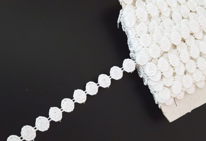 1-12 yds = Total 9-12 yds Raw White  Rhombus Embroidery Lace Trim Approx 12 inch 13mm wide can cut individual use L797 8 yds