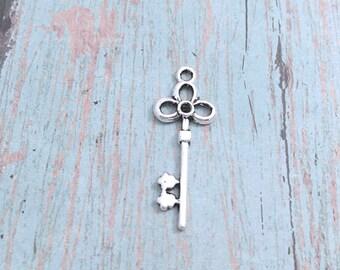 6 Large Key charms (1 sided) silver tone - silver key pendants, sorority charms, house key charms, skeleton key charms, vintage key, PP17