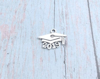 8 Graduation Cap charms (1 sided) silver tone - 2019 grad hat charms, 2019 grad charms, graduation cap pendants, 2019 graduation charms, 148