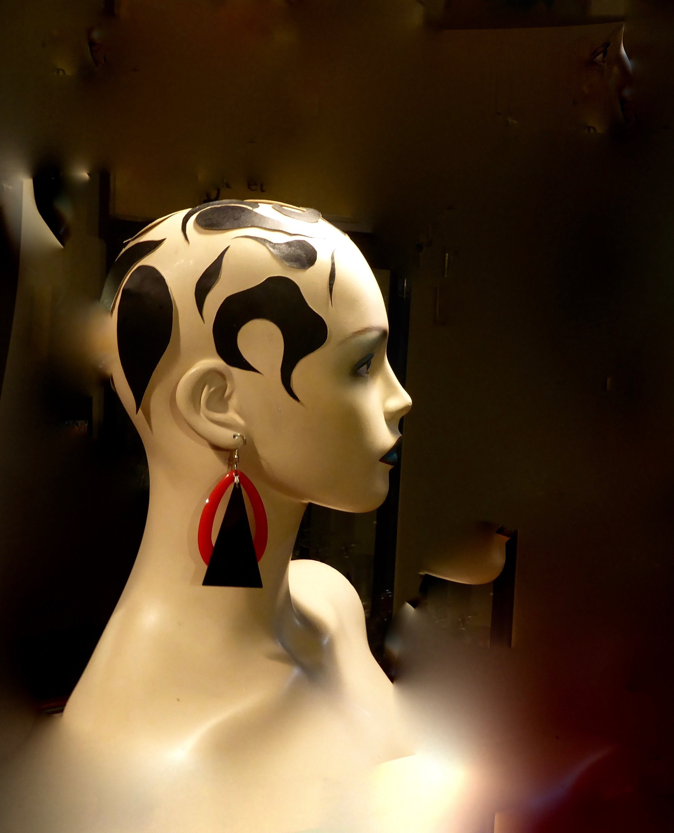 Red and black earring  1970/80  Postmodern  Lucite and