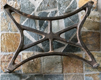 Vintage/Antique Footed Cast Iron Trivet