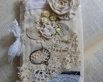 """Livre d'Or """"mariage, union, baptême"""", les fleurs 2. wedding junk journal. Vintage wedding guest book.  Princess journal"""