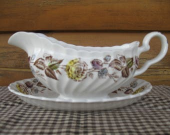 """Johnson Brothers """"Fairwood"""" Gravy Boat and Underplate"""