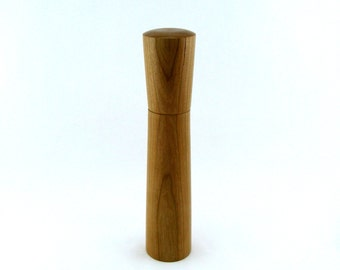 Spices and peppemill in Cherry, Hourglass  style with rod mecanisme / 11  1/2 in article no: 403