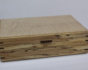 Box for herbal tea or jewelry or to keep your memories  configurable of your choice, handcrafted .