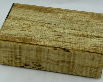 Jewelry box in spalted  maple and figured maple on the side . Item no 27