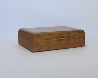 Box for your teas or jewelry of your choice, decorative box made in a traditional way.