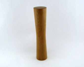 Spices and pepper mill in Cherry, Élégant style with rod mecanisme / 11  1/4 in article no: 401