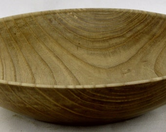 Fruit bowl or service made from Ash apprx. 8 1/4 in X 1 3/4 in.  item: ES0415-236
