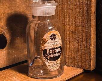 Vintage style Apothecary Bayer Heroin bottle