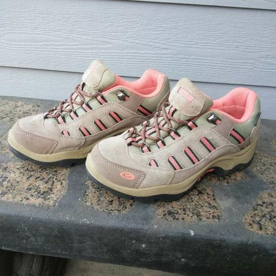 Women's Hi-Tec Hiking Boot Size 8 Tan
