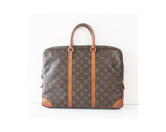 64272807fc3 Hassle Free Vintage Designer s Handbag by hfvin on Etsy