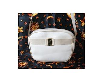 dec75953ba61 Auth Salvatore Ferragamo Vara Leather shoulder bag