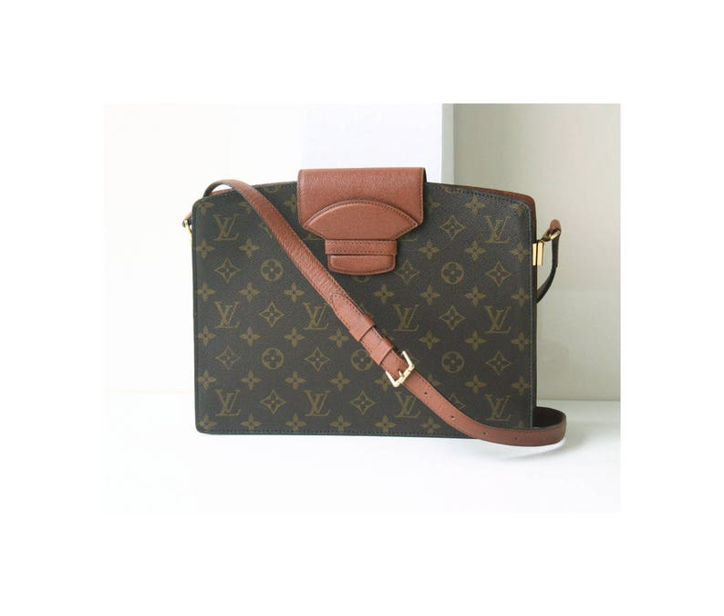 64a11e46ca91 Louis Vuitton Bag Monogram Courcelles vintage rare Authentic