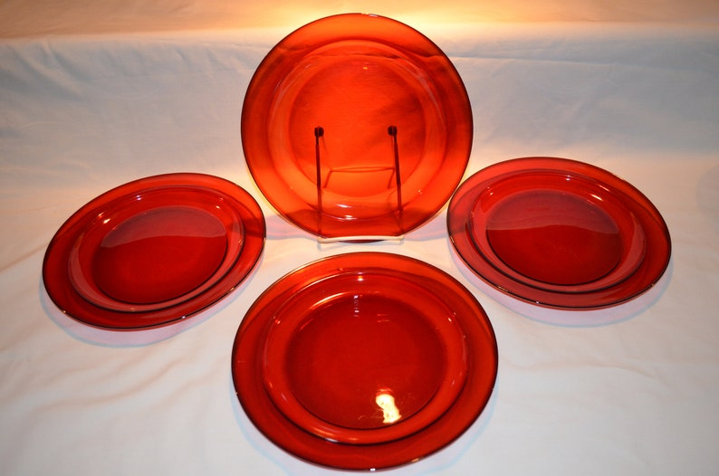 Arcoroc - SET of 4 - Royal Ruby Red - Dinner Luncheon Salad Dessert Plates  9 3/8