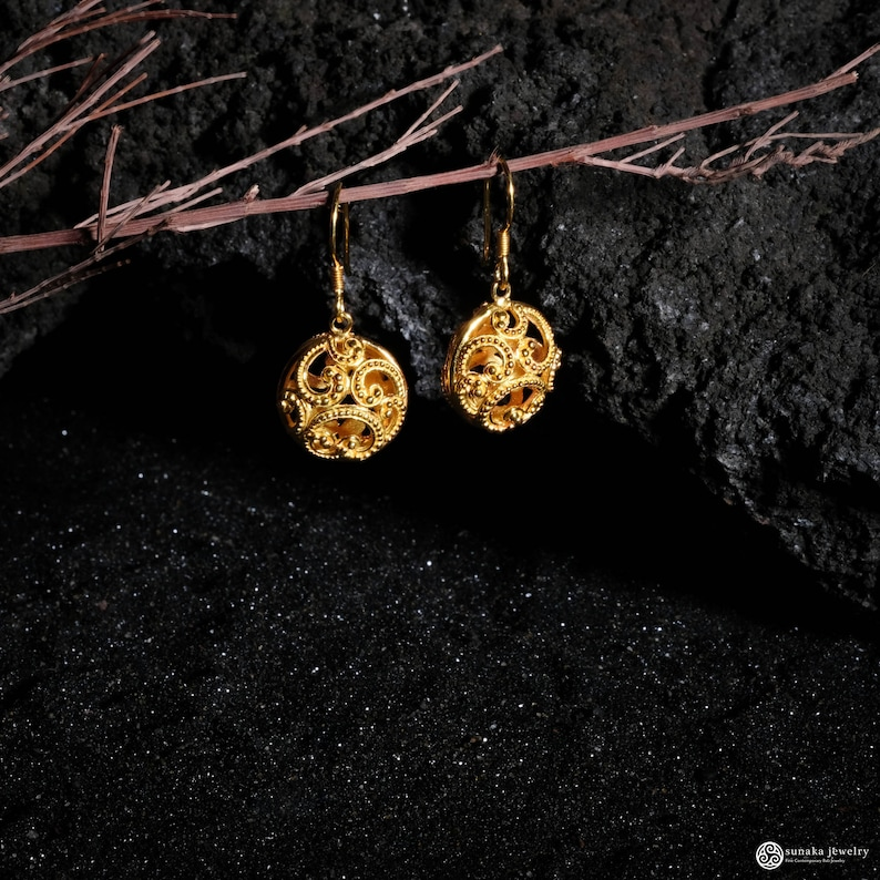 Summer Style Balinese Jewelry Ombak Segara Circle Dangle Earrings,Gold Over Sterling Silver Earrings Minimalist Contemporary Jewelry