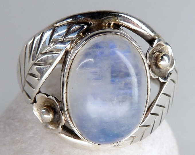 RAINBOW MOONSTONE Gem Ring Solid Silver (US 6 1/2) SilverSari YGR1143