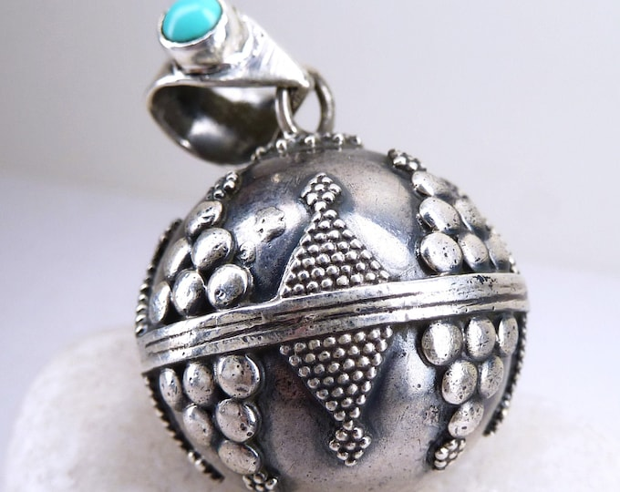 TURQUOISE HARMONY CHIME Sphere Ball Pendant Solid Silver SilverSari YPS1003