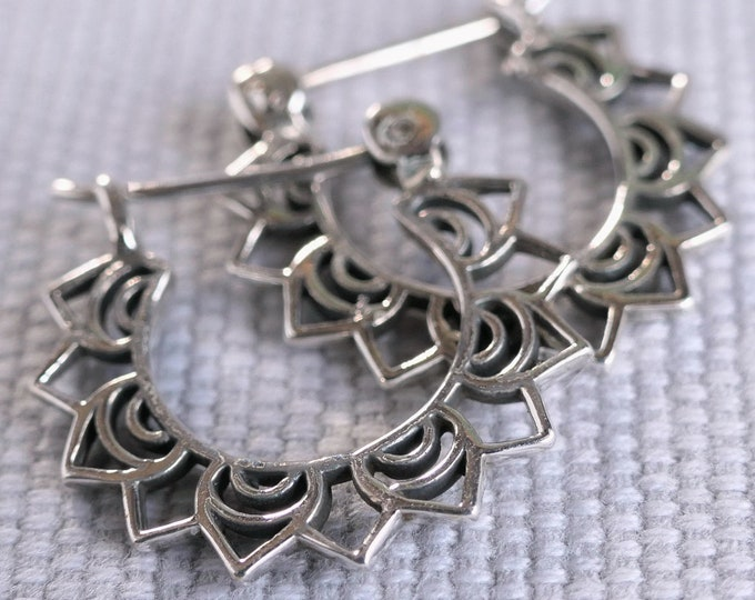 LOTUS FLOWER Straight Bar SilverSari Jali Hoop Earrings YES1274